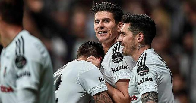 Gomez atıyor, Beşiktaş kazanıyor