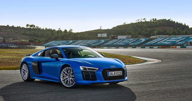 Audi R8 Coupe dünyanın en iyi performans otomobili seçildi