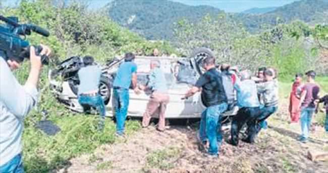 Başhekim ve ailesi kazada yaralandı
