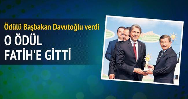 Sulukule Sanat Akademisi ödülü Fatih'e
