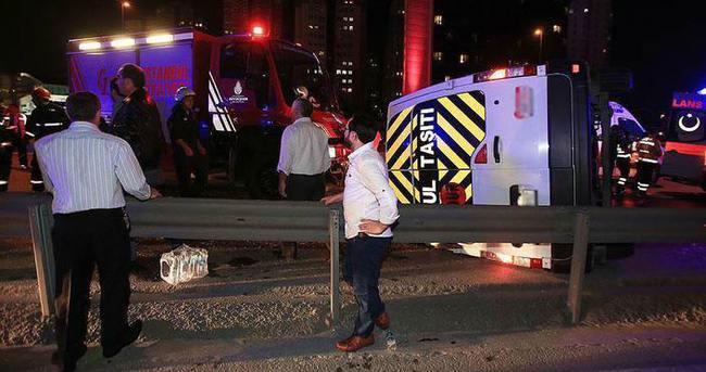 Zeytinburnu'nda minibüs devrildi: 14 yaralı