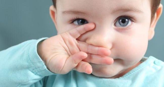Bebeklerde göz çapaklanması neyin belirtisi?