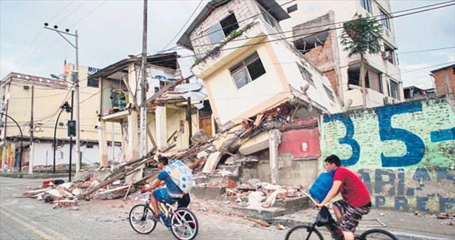 Ekvador'da ölenlerin sayısı 418 oldu