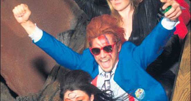 38'inci yaşa Bowie'li kutlama