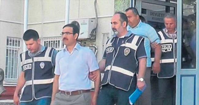 Fetö davasında dört tutuklama