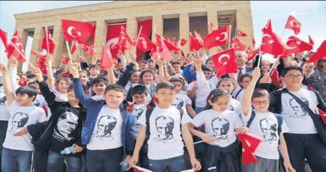 Atatürk'e koştular