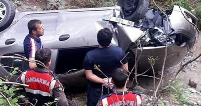 Hollandalı turistlerin aracı uçuruma yuvarlandı: 1 ölü