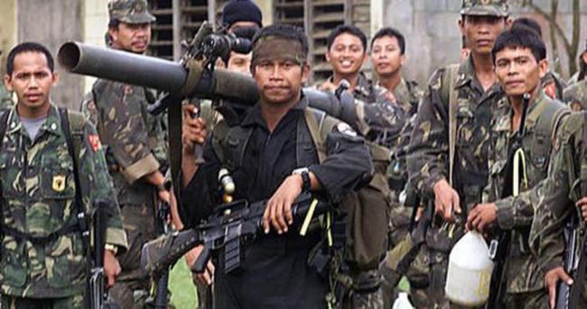 Filipinler'de rehin tutulan 2 Kanadalıdan biri öldürüldü
