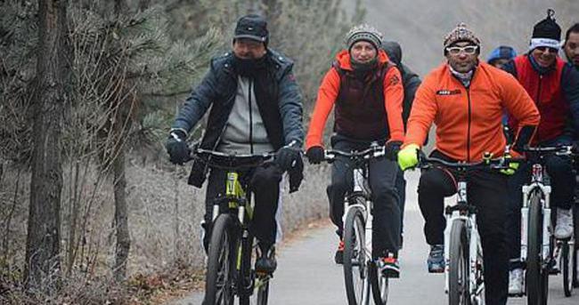 Bakanlar sağlıklı yaşam için pedal çevirdi