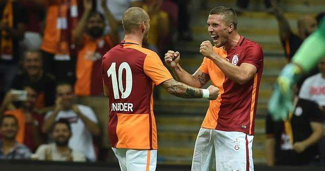 Sneijder ve Podolski gidebilir