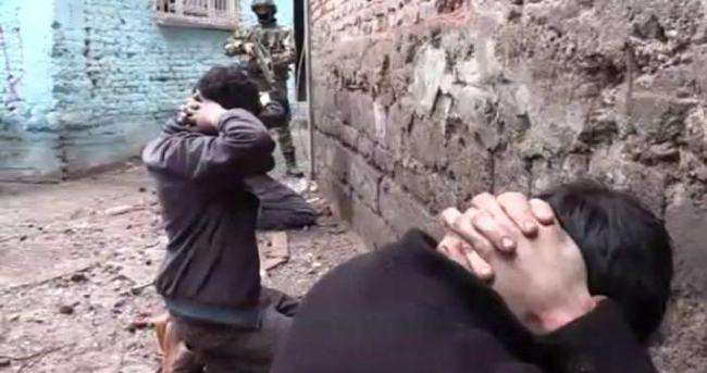 Bitlis'te bir terörist teslim oldu