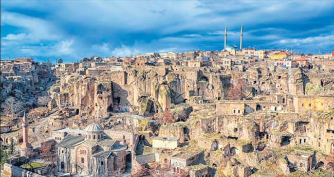Kapadokya'nın kalbi Güzelyurt'ta atıyor