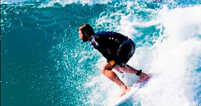 Usta sörfçü Chris