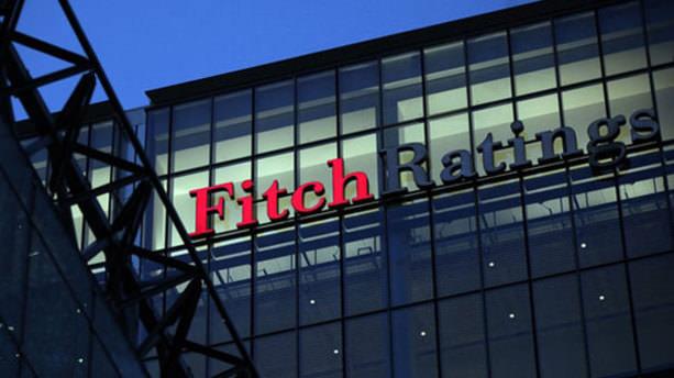 Fitch iki ülkenin kredi notunu indirdi