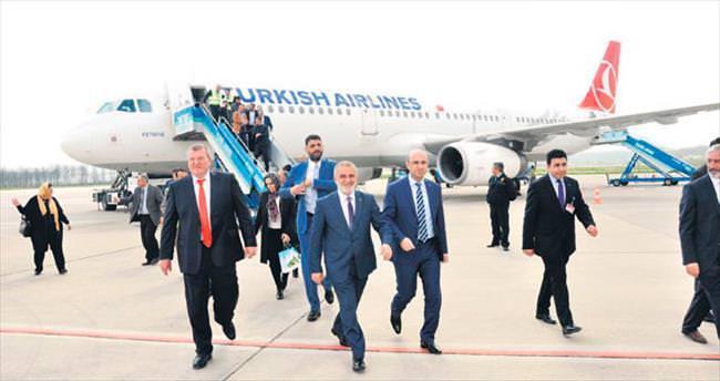 Cengiz Topel'den tarihi uçuş