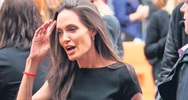 Angelina'ya ne oldu?
