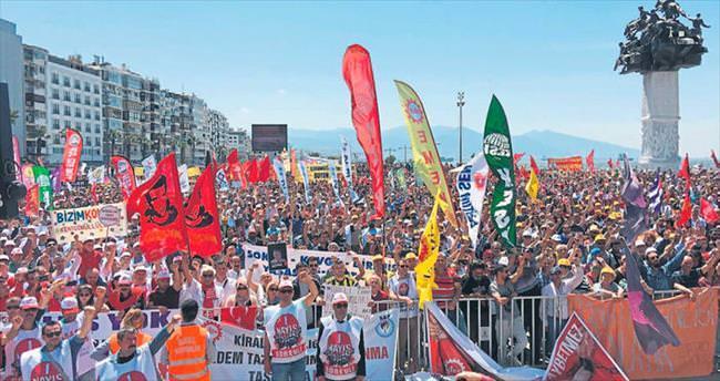İzmir'de1 Mayıs coşkuyla kutlandı