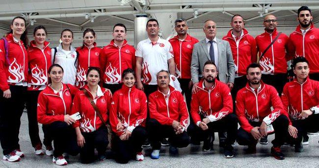 Karate Milli Takımı Fransa'ya gitti