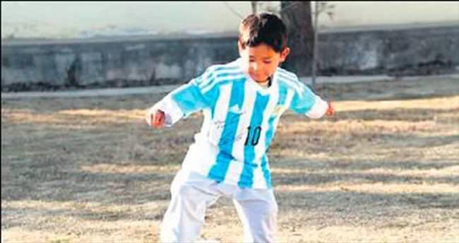 Messi'nin hayranı Pakistan'a sığındı