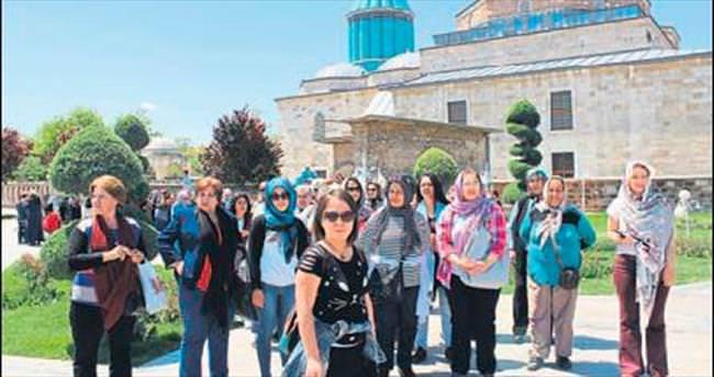 Döşemealtı kadınları Konya gezisi yaptı