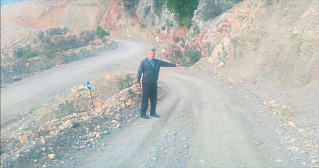 Muhtar Akbulut asfalt yol istiyor