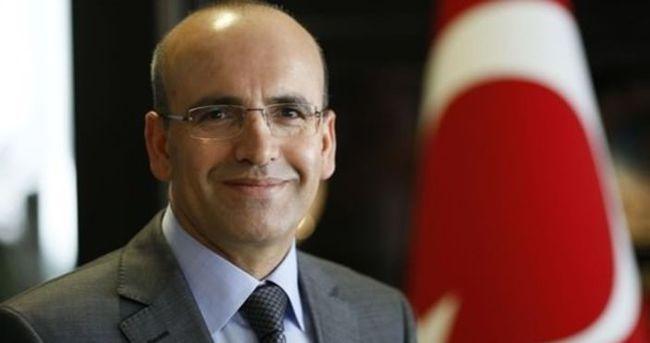 Mehmet Şimşek Bernabeu'da maç izledi