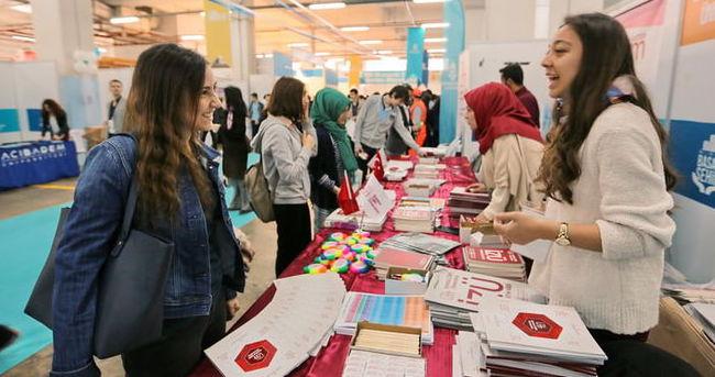 Üniversite adayları BÜTEF'e akın etti