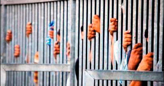 Darbe sonrası Mısır'a hapishane yetişmiyor