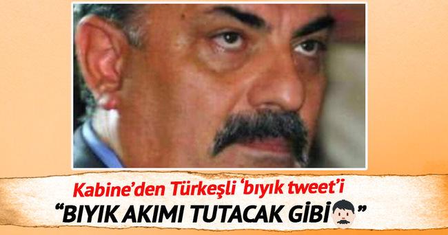 Yalçın Akdoğan'dan 'bıyık' tweeti