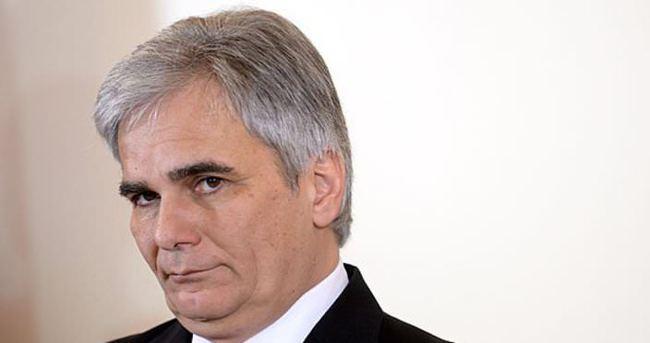 Avusturya Başbakanı Faymann istifa etti