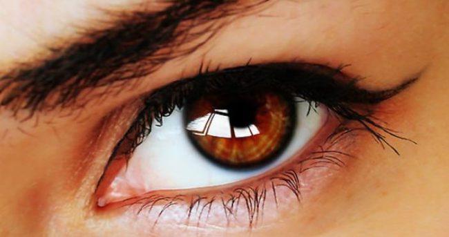 Açık renkli gözlere sahipseniz risk altında olabilirsiniz