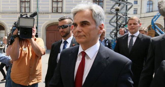 Avusturya başbakanı istifa etti
