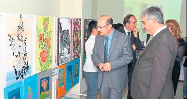 Öğrencilerden yılsonu sergisi