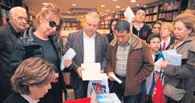 Point Bornova'da kitabını imzalayacak