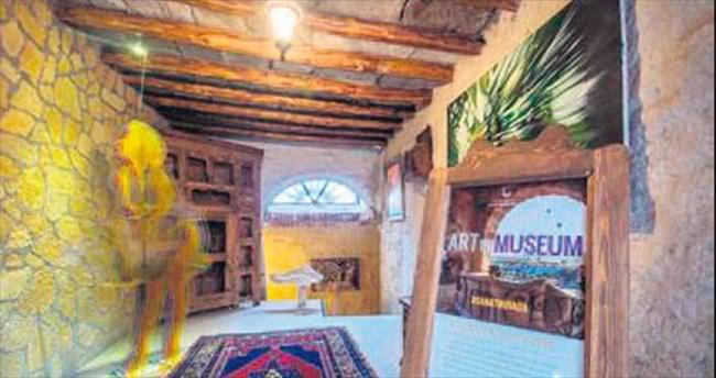 Kapadokya'da çağdaş sanat sergisi