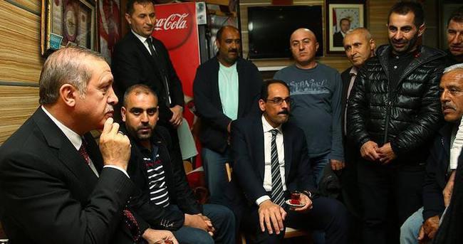 Cumhurbaşkanı Erdoğan'dan minibüs durağına ziyaret