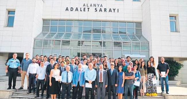 Alanya'da yeni avukatlara belge