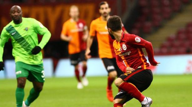 Galatasaray penaltılarla yıktı