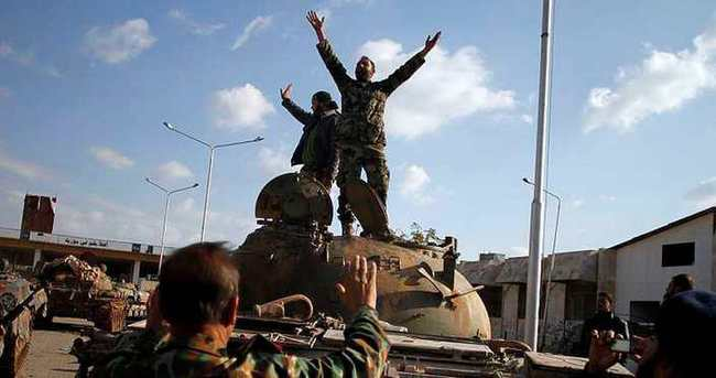 Suriye'de muhaliflerin ilerleyişi sürüyor