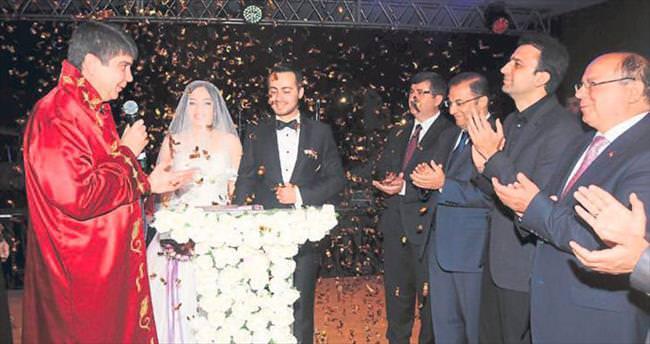 Tonbul oğlunu evlendirdi