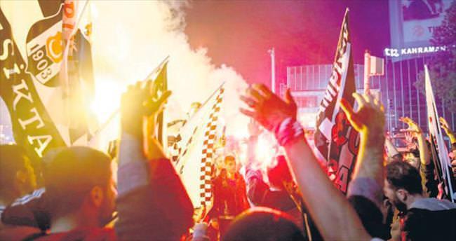 Kızılay'da şampiyonluk kutlaması