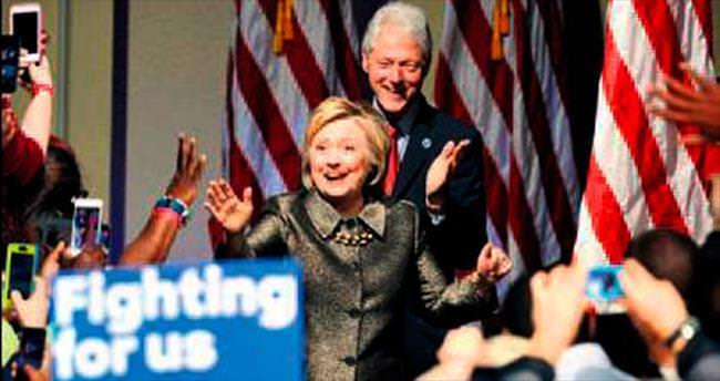 Hillary, ekonomiyi Bill'e emanet edecek