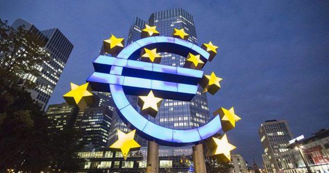Euro Bölgesi'nin dış ticaret fazlası beklentiyi aştı