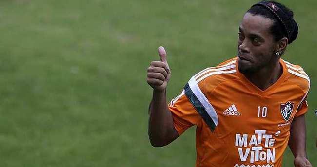 Antalyaspor Ronaldinho ile anlaşmaya çok yakın