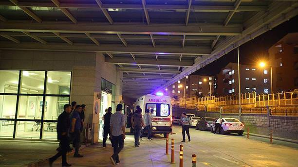 Pervari'de askeri araç devrildi: 6 yaralı