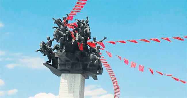 İzmir'e ünlü akını