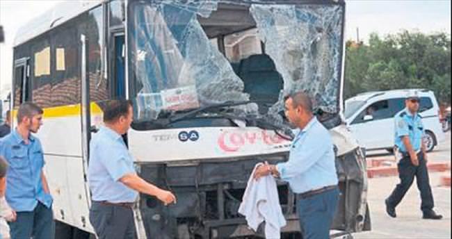 Öğrenci servisi kaza yaptı, 9 kişi yaralandı