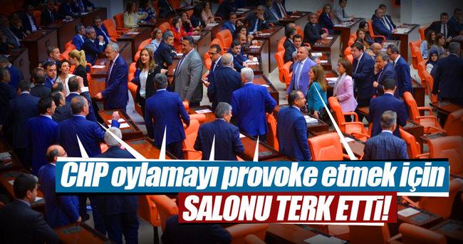CHP milletvekilleri TBMM'yi terk etti