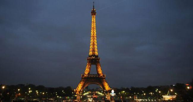 Eyfel Kulesi Euro 2016'da otel olacak