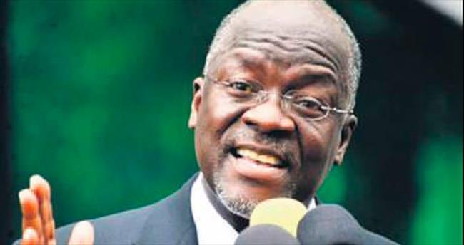 Tanzanya'da sarhoş bakan görevden alındı